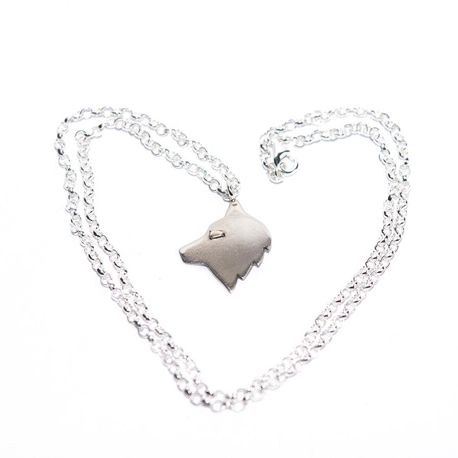 WEB husky necklace b