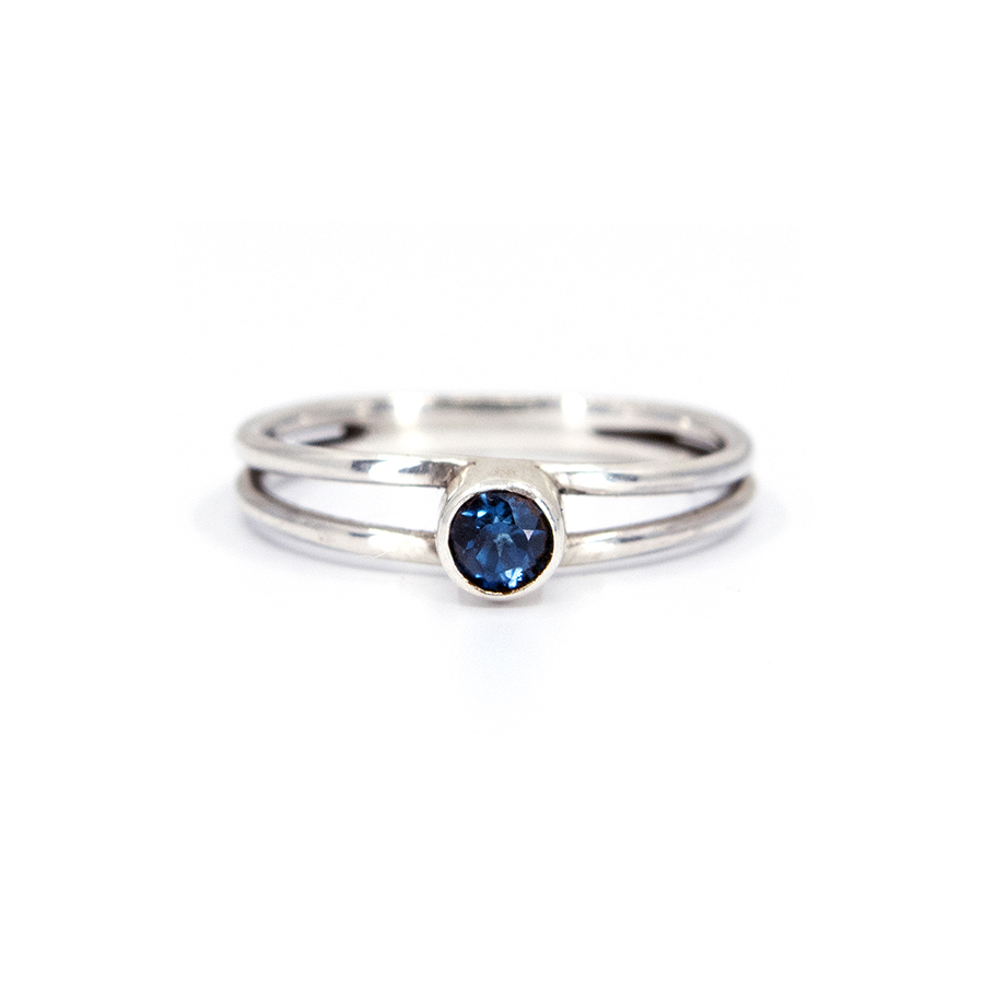 WEB twin saphire ring a