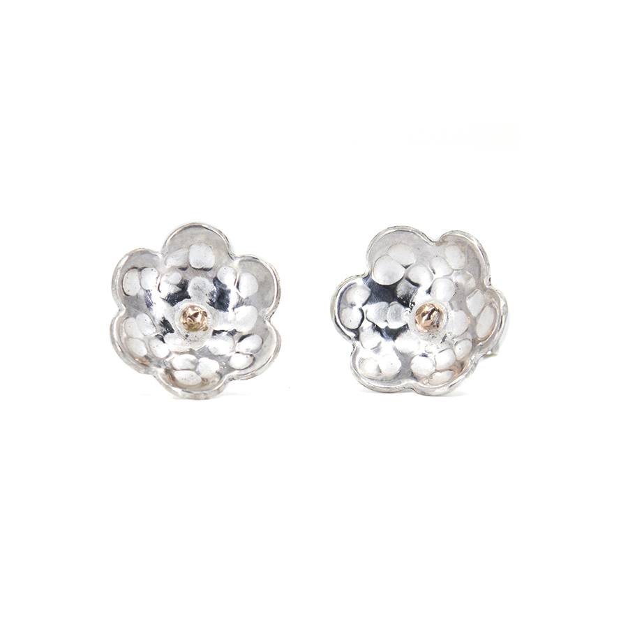 WEB hammered flower rose dot studs